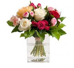 BOUQUET DE ROSES VARIEES.