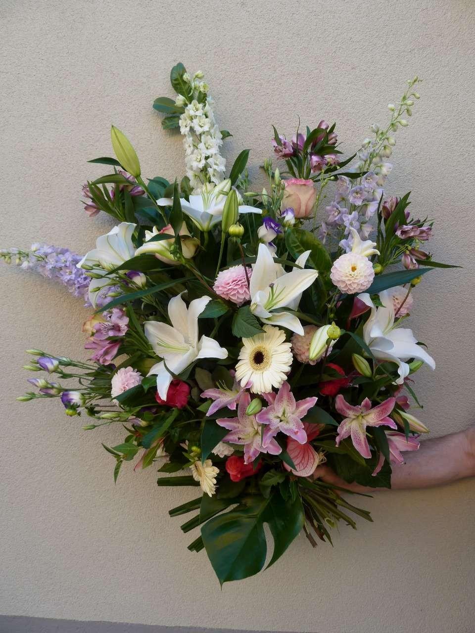 Macon sance livraison fleurs enterrement envoi de for Envoi bouquet